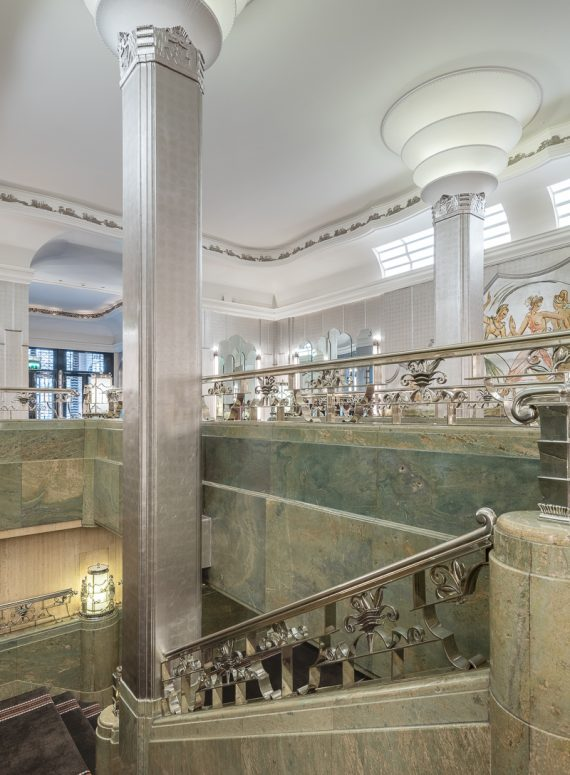 A celebration to mark the completion of Donald Insall Associates' restoration work to the Silver Gallery at the Grade II listed Sheraton Grand Park Lane Hotel took place last week,