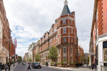 South Molton Triangle, advised by Donald Insall Associates